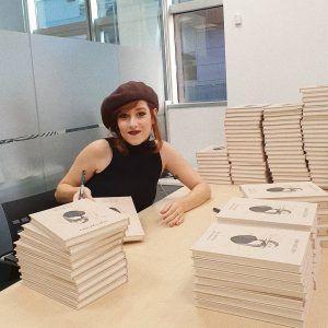 Firma libros Sara Búho